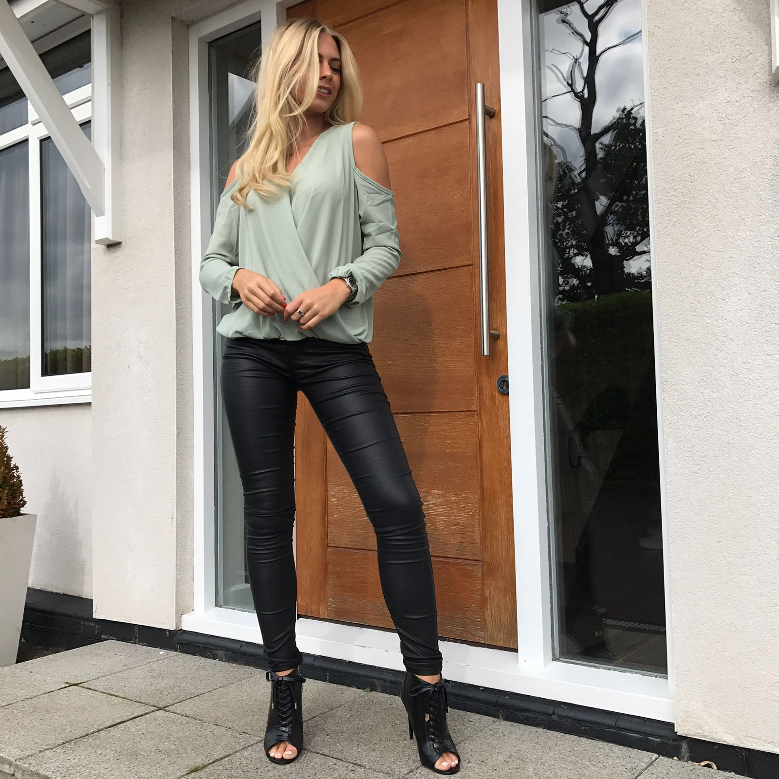 b3f5c76bdae Going out tops to wear with jeans - SilkFred Blog