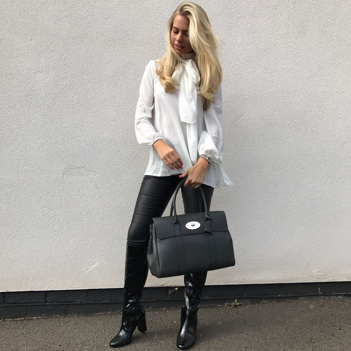 a234209ff89 nice tops to wear with jeans - SilkFred Blog